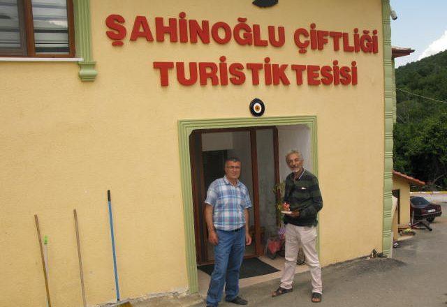 Şahinoğlu   Çiftliği, Turistik tesisleri, kısa zamanda  bölgenin parlayan yıldızı oldu.